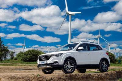 FAW выводит на украинский рынок пять моделей автомобилей